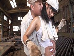 町工場で働く女のコ 1