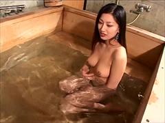 誘惑温泉 〜男風呂なのに勝手に混浴する美女〜