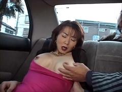 夫の羞恥プレイ攻めにセレブ妻は・・・